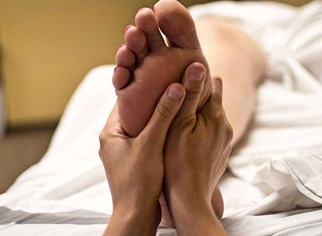 Masaje pies reflexología